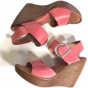 BORN Pink Sandal Wedge Buckle like Cheery Boulder